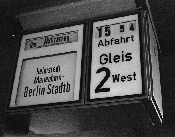 British train boarding platform sign in Braunschweig.
